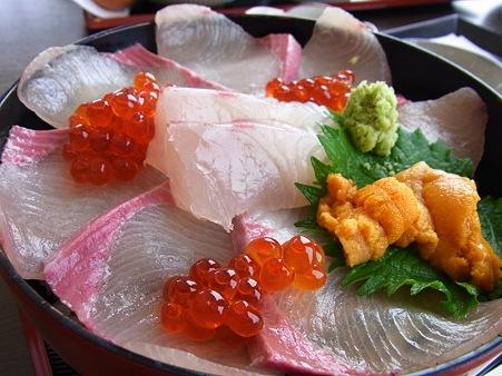 津屋崎の海鮮丼