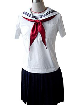 白いブラウスと黒いスカート セーラー服 コスプレ衣装