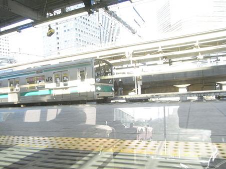 E231系湘南新宿ライングリーン車1Fの車窓14
