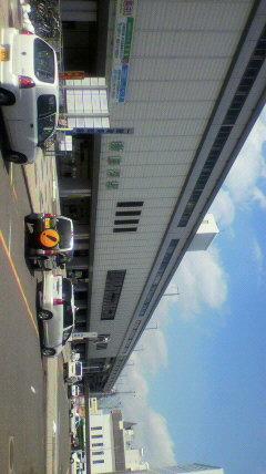新白河駅前、快晴です。東北...