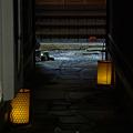 石畳の灯り。