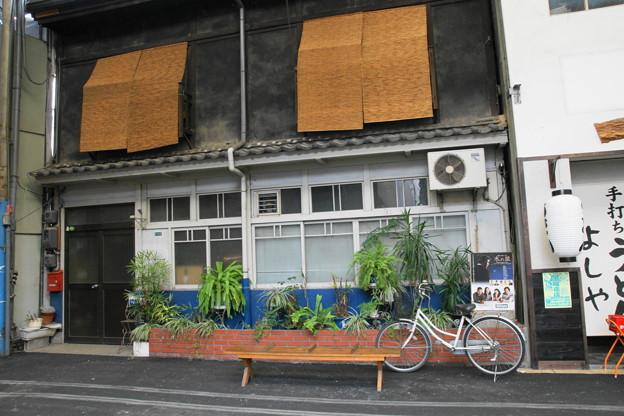 葦簀張りの家