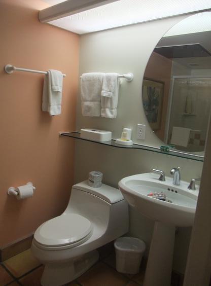 ハワイ島 コナコーストリゾート1個目のバスルーム