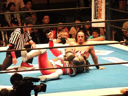 新日本プロレス BEST OF THE SUPER Jr.XIX Aブロック公式戦 獣神サンダー・ライガーvsPAC (4)
