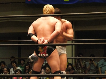 "DDT ""What are you doing 2012"" KO-D無差別級選手権試合 火野裕士vs飯伏幸太 (12)"