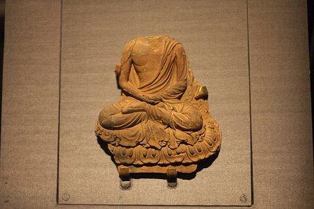 2010.11.15 東京国立博物館 仏像の道-インドから日本へ せん仏如来坐像 明日香村