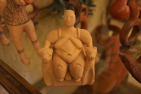 2011.01.26 トルコ カッパドキア 陶器屋 チャタルホユック遺跡 母神像模造