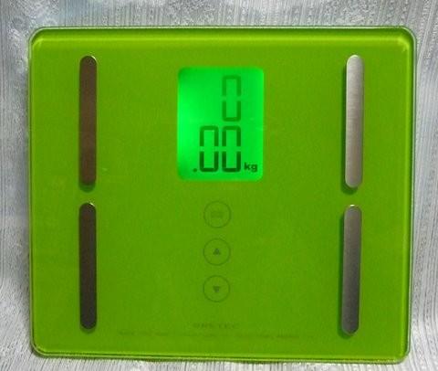 写真: ロフトでデジタルの体重計を衝動買い。 そうだ、ダイエットしよう! ...