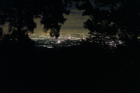 夜中の登山途中から