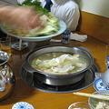 Photos: 野菜投入!すばやい手さばきにデジカメついていけず・・ボケボケ