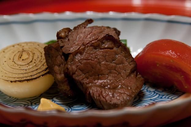 肉料理:牛ふぃれ肉 あすぱら とまと 小玉葱