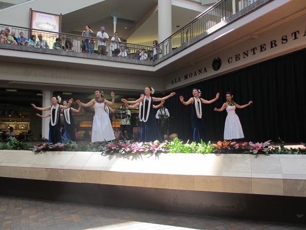 2012 Ala Moana center stage_019
