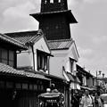 モノトーン 川越蔵造の町並み時の鐘と人力車・・20120624