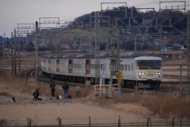 Photos: クイズトレイン185(上り)